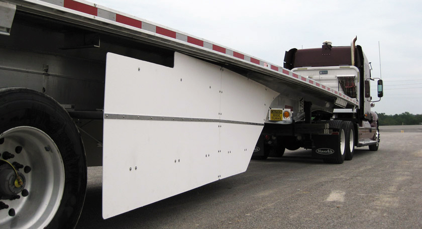 Semi truck with the Freight Wing Flatbedder custom Fairing